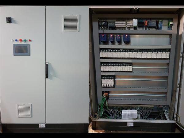 Armoire électrique, écran tactile, entrées sorties déportées en réseau