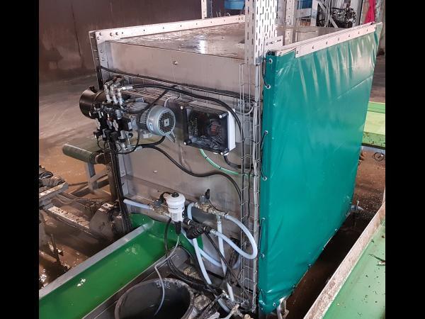 Laveur de bacs inox, vérins hydrauliques, pompe haute pression, doseuse de javel